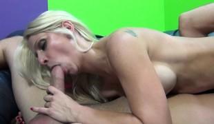 virkelighet blonde hardcore slikking blowjob fingring doggystyle