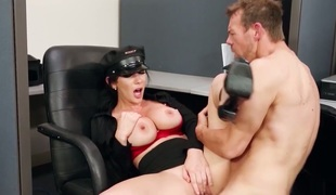 Erik Everhard seduces Jayden Jaymes with gigantic knockers into fucking