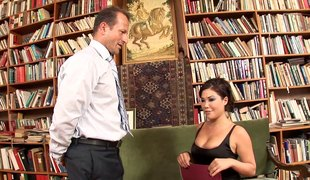 Exquisite sweetheart assents to be penetrated in a large library