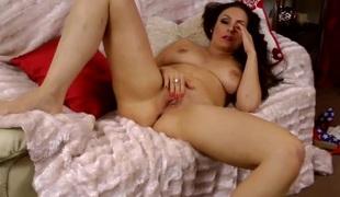 Hot curvy British milf masturbates solo