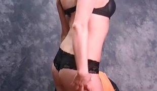 brunette babe store pupper lingerie ass rødhårete fetish barmfager tease nylon