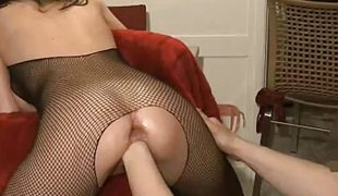 Wicked hottie gets her pussy fisted