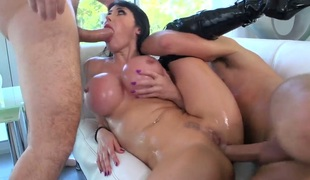 Milf Keiran Lee Manuel Ferrara shows off her hot body as she gets her throat fucked by mans upright schlong