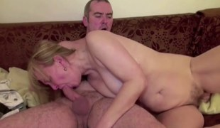 He Seduce Mommy With hairy Pussy to Fuck and Sprayed with cum