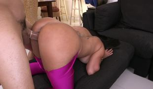 Bubble ass in tight leggings is too hot to not fuck it hard