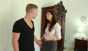 India Summer & Michael Vegas in My Friends Hawt Mom