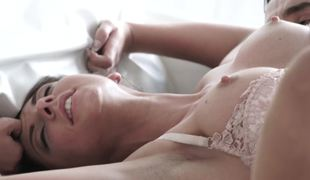 Anal opening of sleeping girlfriend is happy to be drilled in the morning