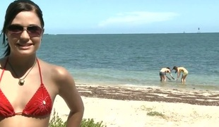 amatør tenåring utendørs bikini