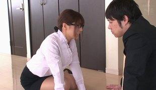 virkelighet naturlige pupper hardcore slikking blowjob kontor asiatisk par japansk cowgirl
