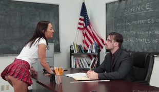Coed's pussy is so good her teacher gives her an A in class