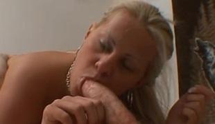 blonde tynn vill store naturlige pupper puling