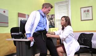 A brunette gets her pussy permeated by her doctor in the movie scene