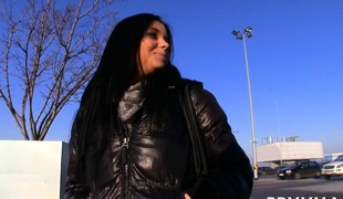 amatør european virkelighet tenåring brunette utendørs offentlig