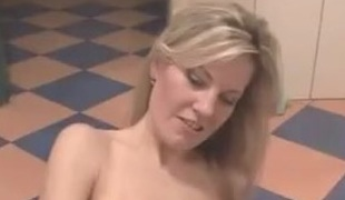 Czech milf gets fucked in bath of apub