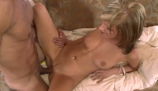Blond Ella Marie lets man bang her hands hard with his priceless man meat