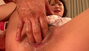 She masturbates & lets her guy finger her until she squirts