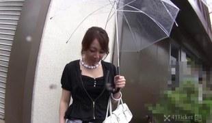 Ryo Akanishi Gives Head in Car -Uncensored JAV-