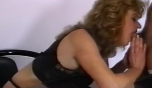 amatør brunette hardcore deepthroat blowjob lingerie sædsprut truser moden creampie