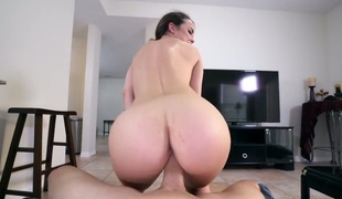 Dillion Harper has some time to receive some pleasure with guys throbbing 10-Pounder in her bawdy cleft