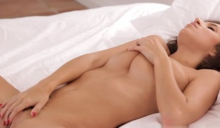 brunette vakker slikking onani truser massasje fitte solo creampie stram