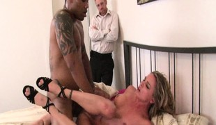 hardcore blowjob interracial svart stor kuk hanrei knulling kuk doggystyle